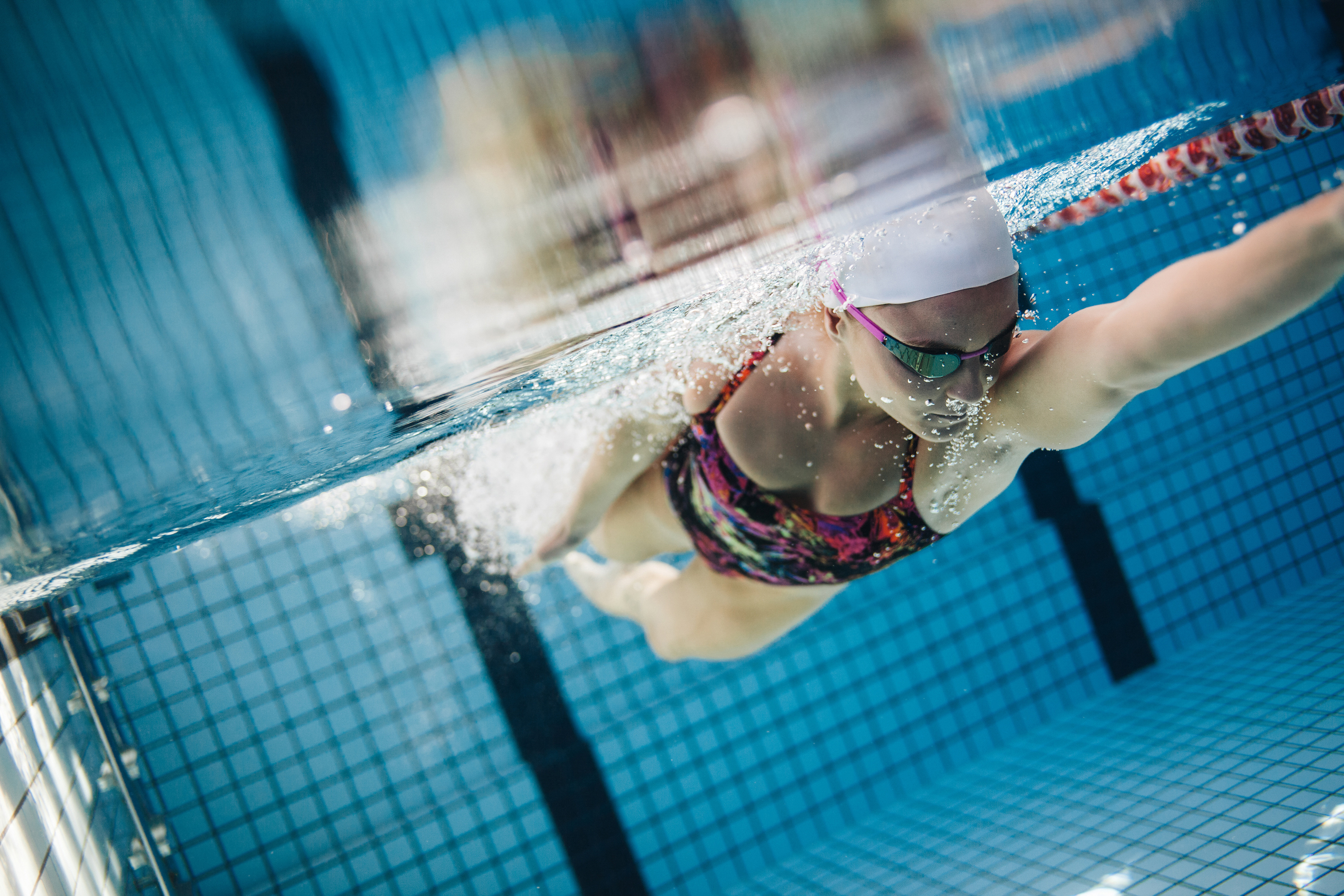 Swimming pool swimming figures underwater view 54807