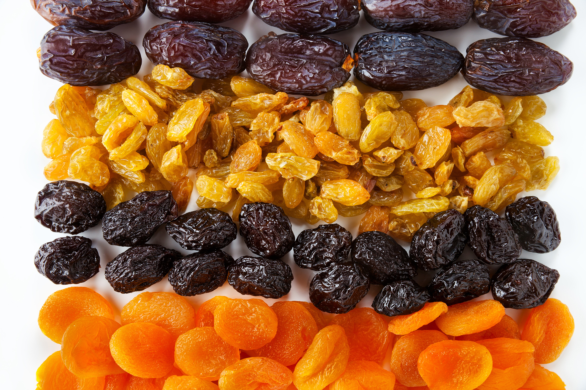Variety of dried fruit 55175