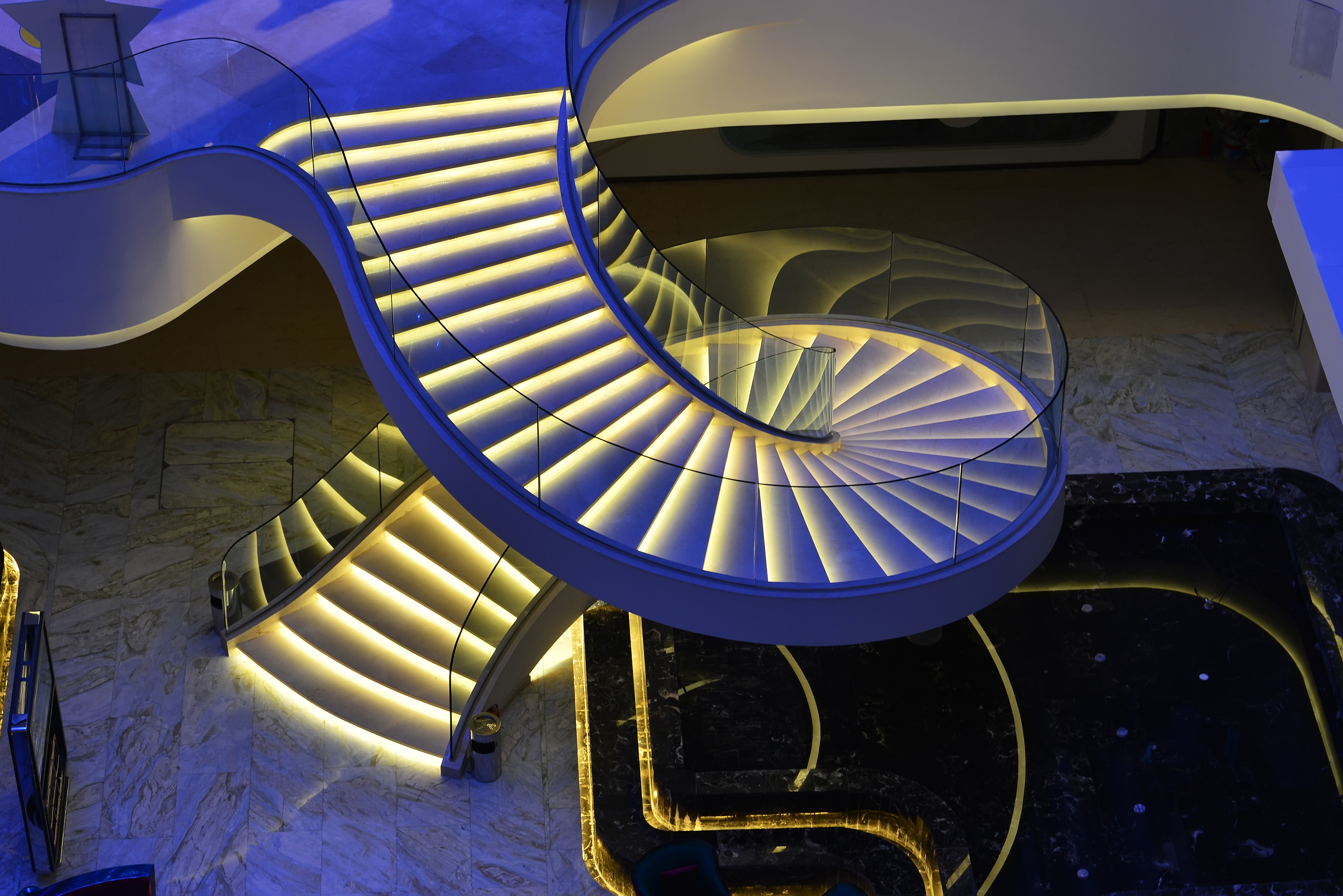 Spiral staircase 55368