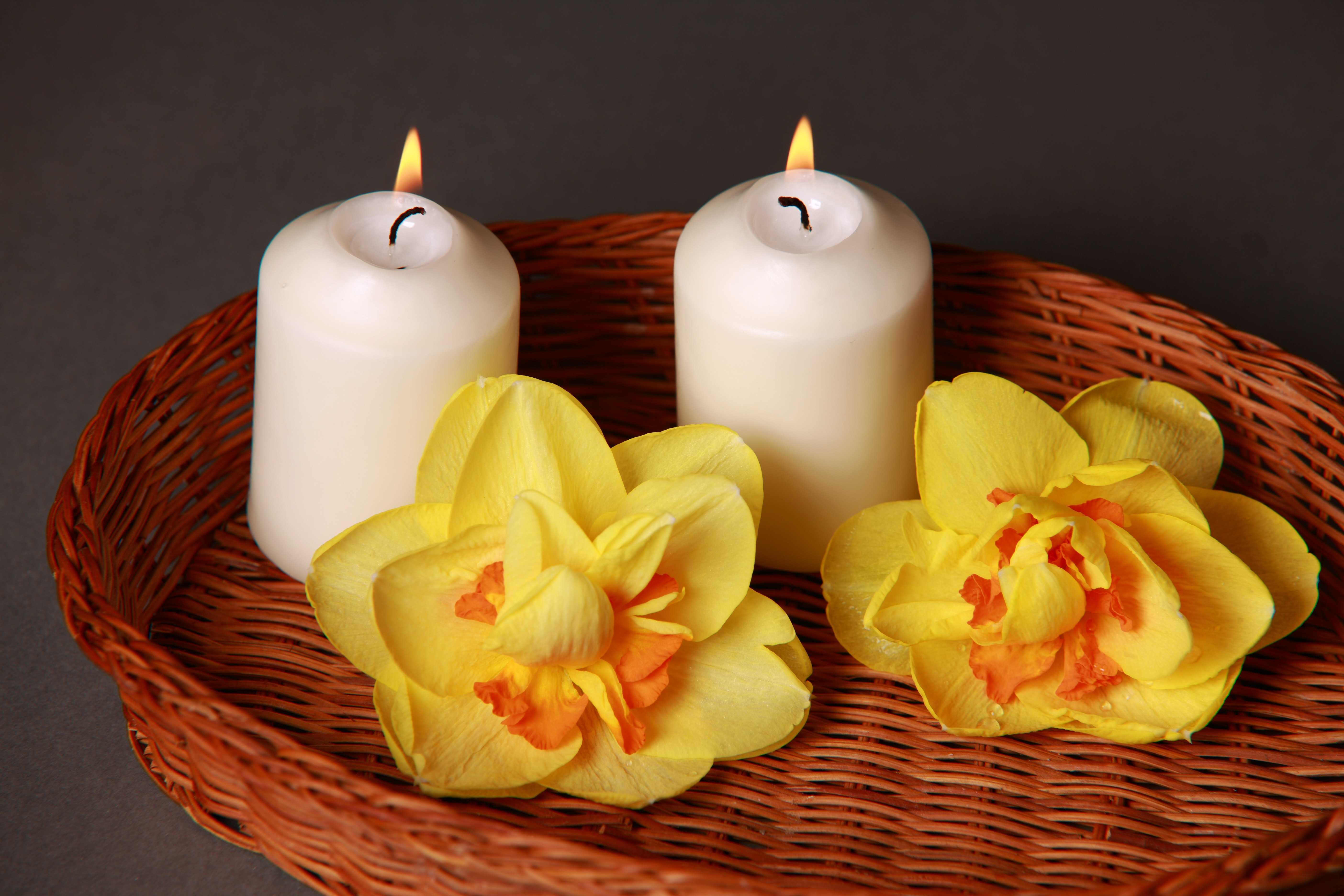 Tray of candles with yellow flowers 55448