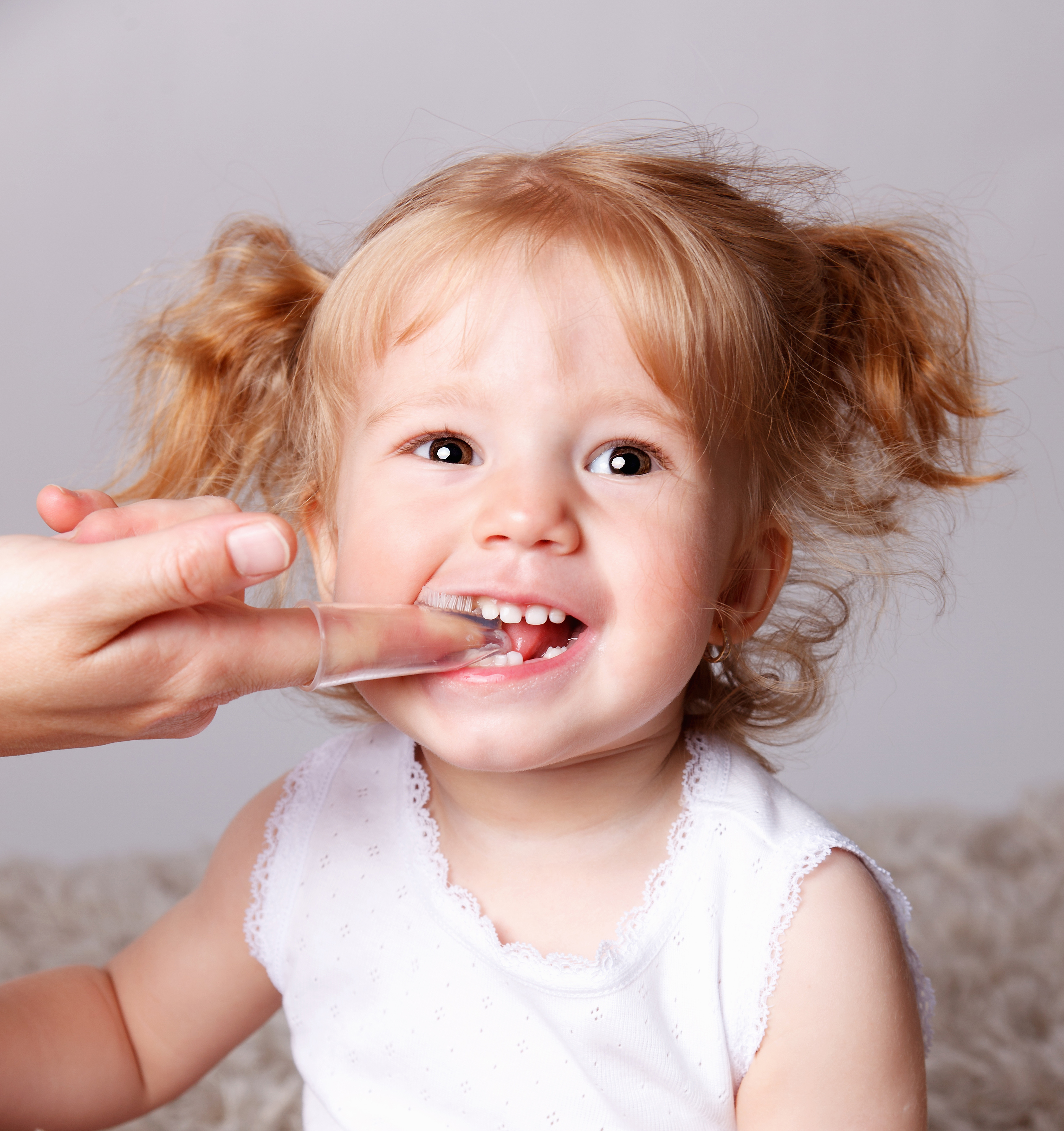 Little curly girl 5013 in practice brushing teeth 55637