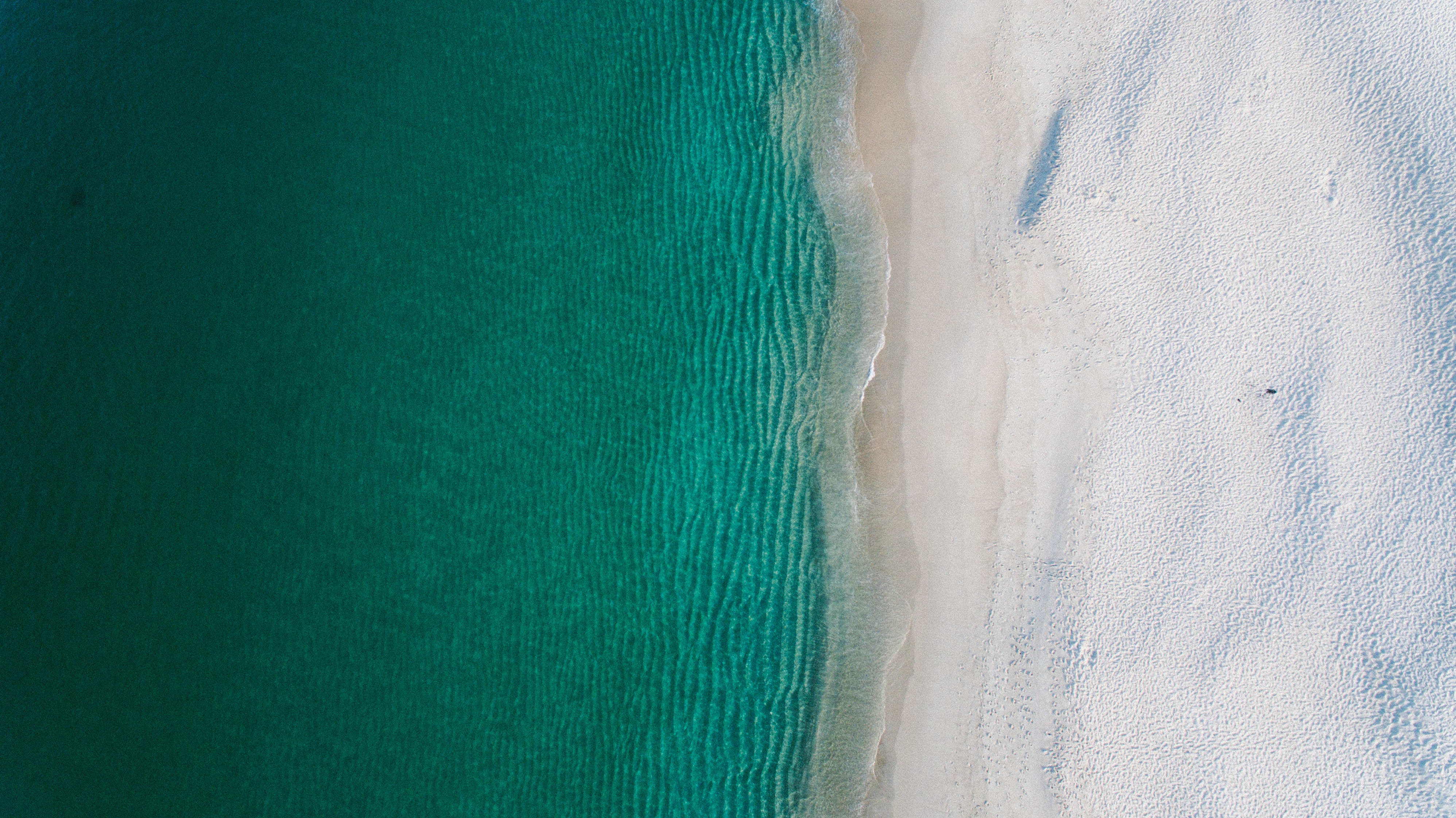 Silver sand beach and turquoise water 55684