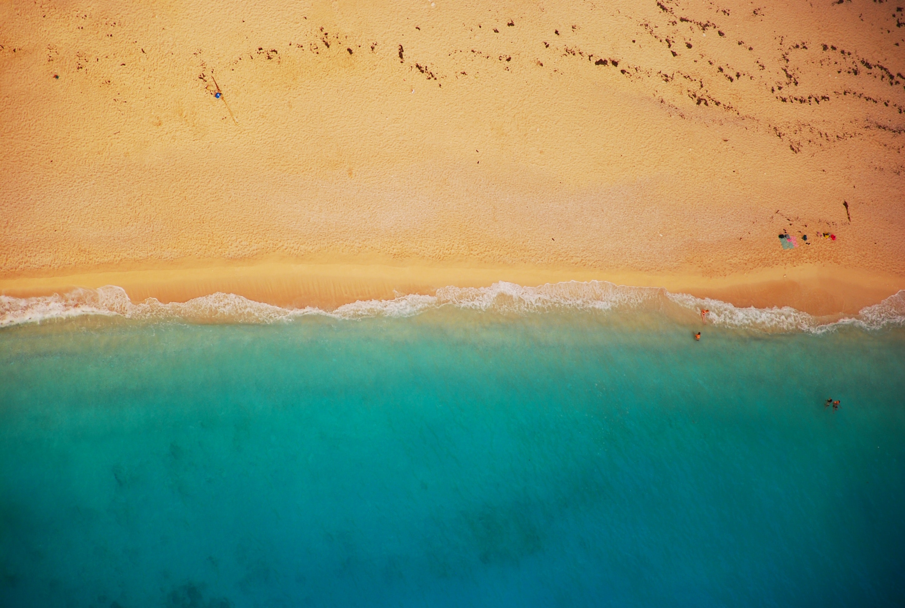 Blue sea water with golden sand beach 55915