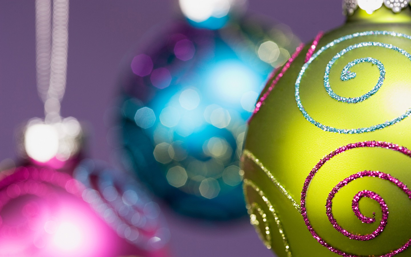 Colorful Christmas ornaments wallpaper 31158