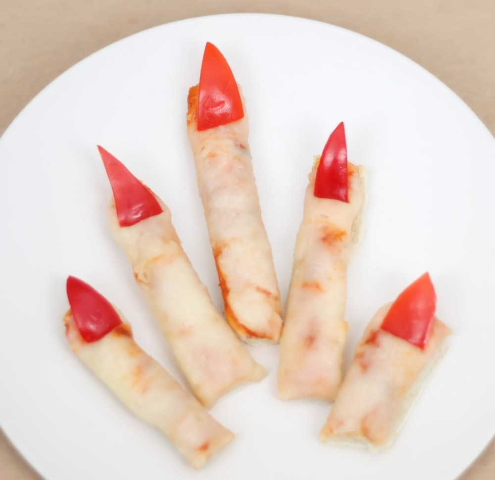fingers made from bread 32331