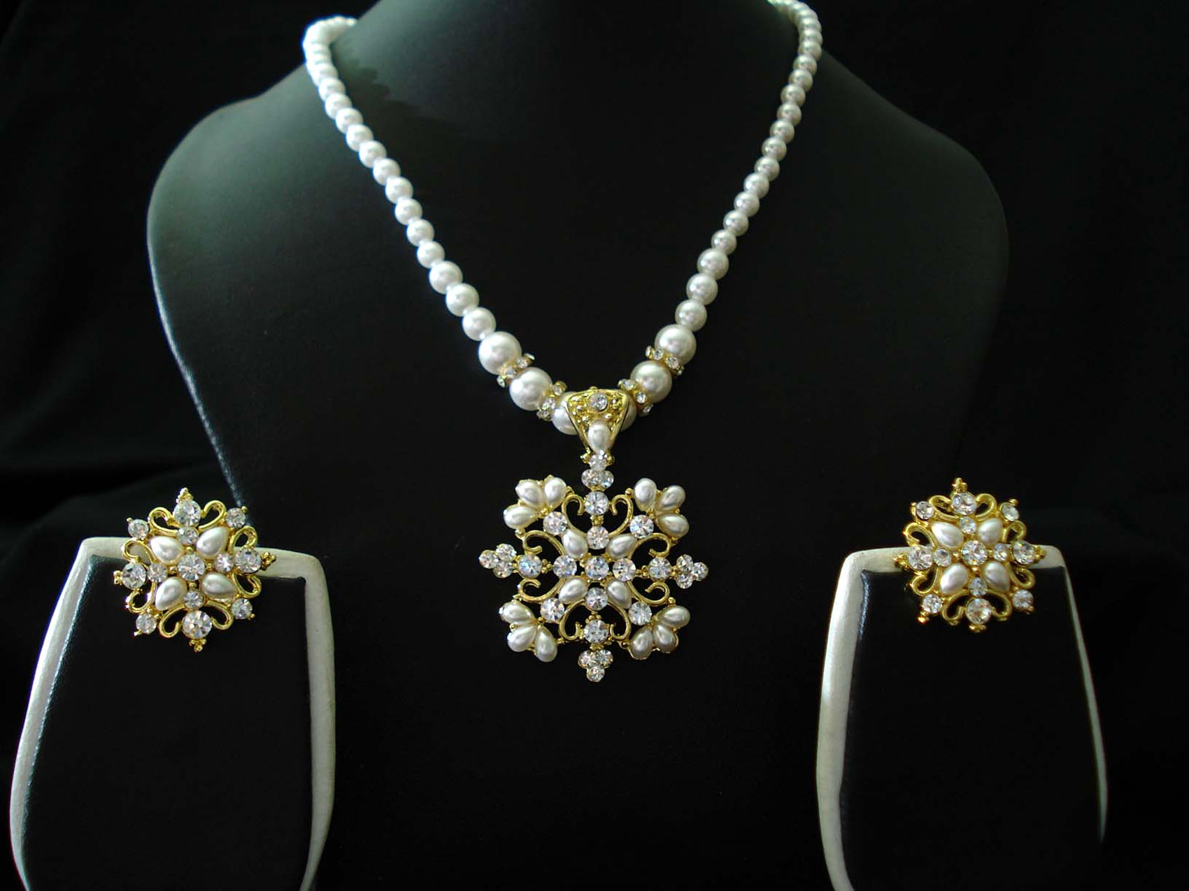 jewelry sets necklaces and earrings 32415