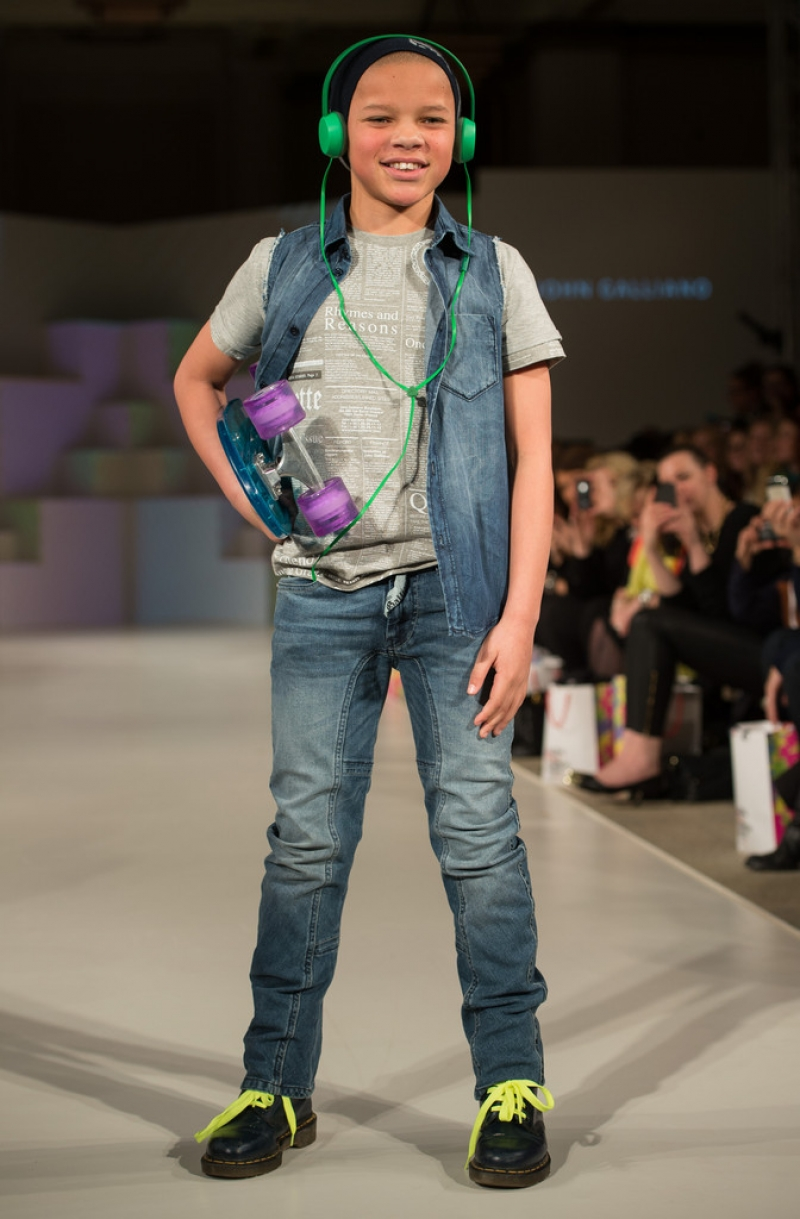 Global Kids Fashion Week Show 32587