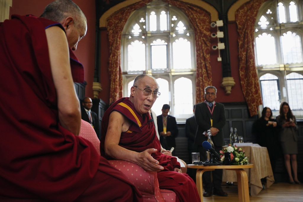 The Dalai Lama Speaks in Cambridge 32615