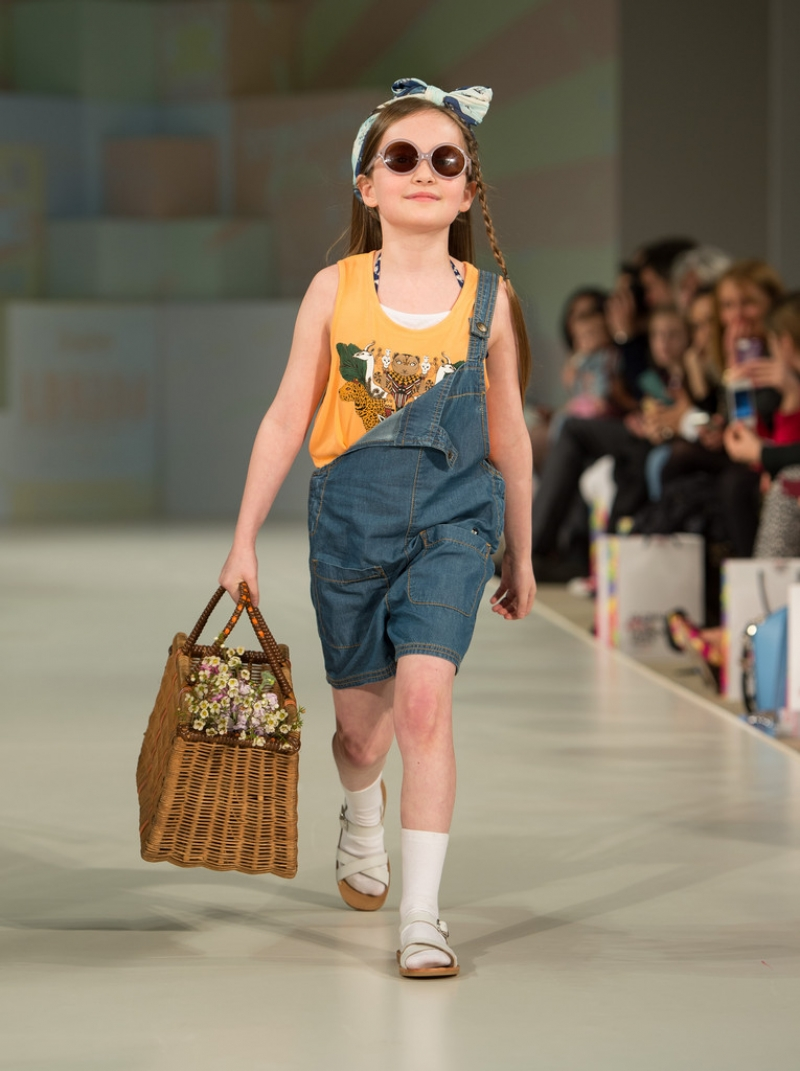Global Kids Fashion Week Show 32659