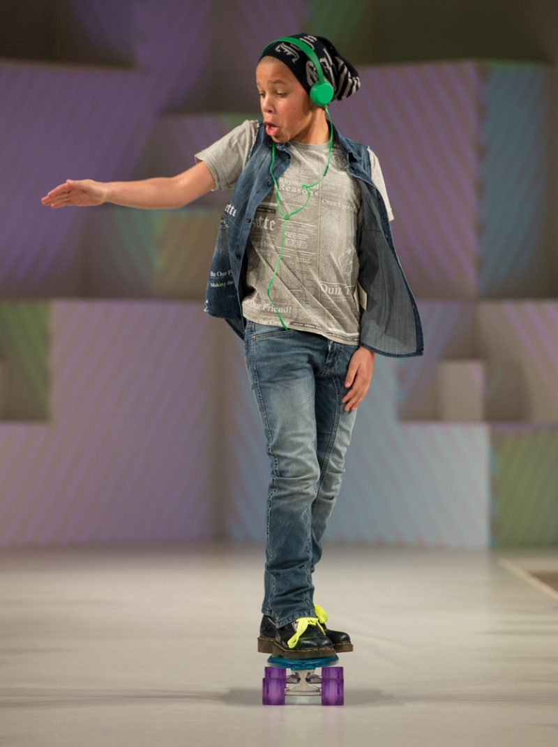 Global Kids Fashion Week Show 32721