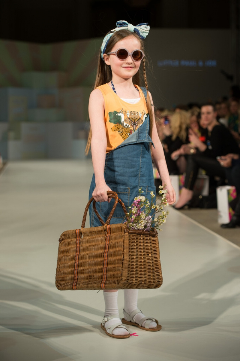 Global Kids Fashion Week Show 32738