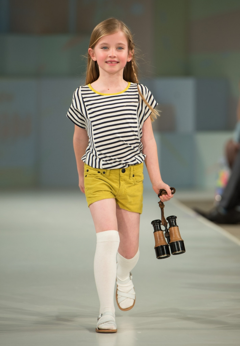 Global Kids Fashion Week Show 32745