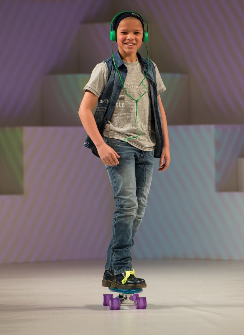 Global Kids Fashion Week Show 32760