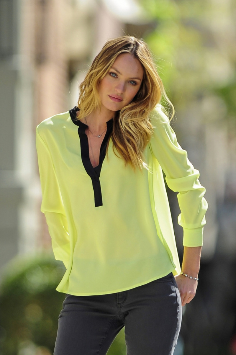 Candice Swanepoel Poses for Victoria's Secret in NYC 32938