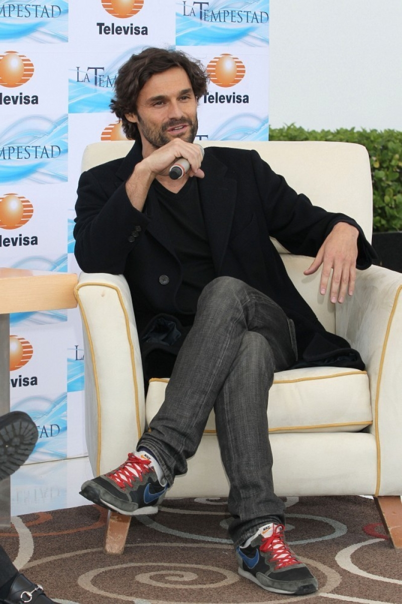 Ivan Sanchez Talks About His Spanish Soap Opera 32941