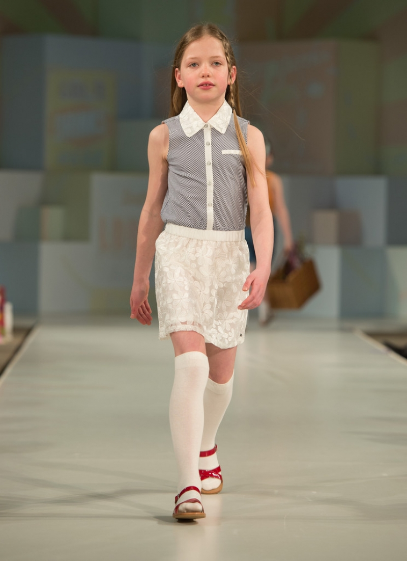 Global Kids Fashion Week Show 32998