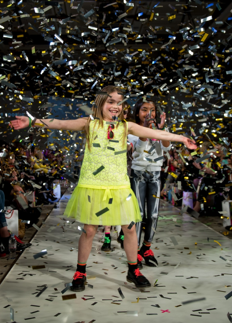 Global Kids Fashion Week Show 33041