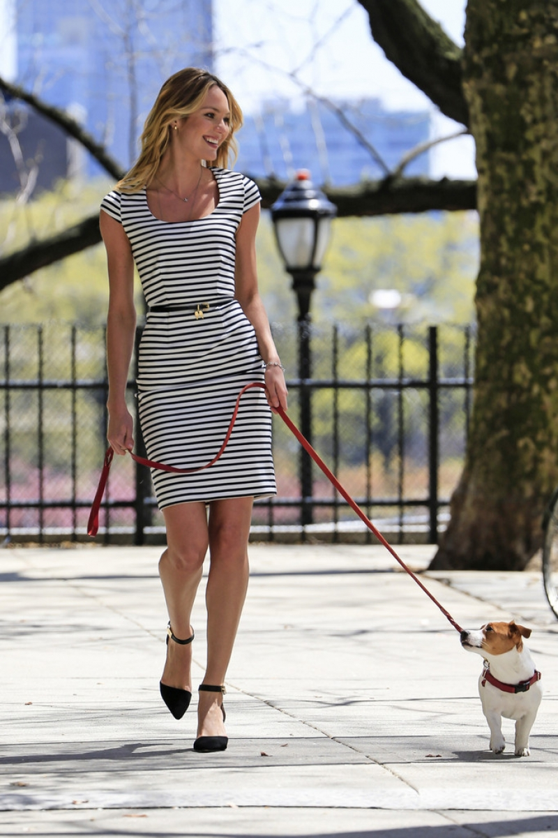 Candice Swanepoel Walks a Dog for a Photo Shoot 33096