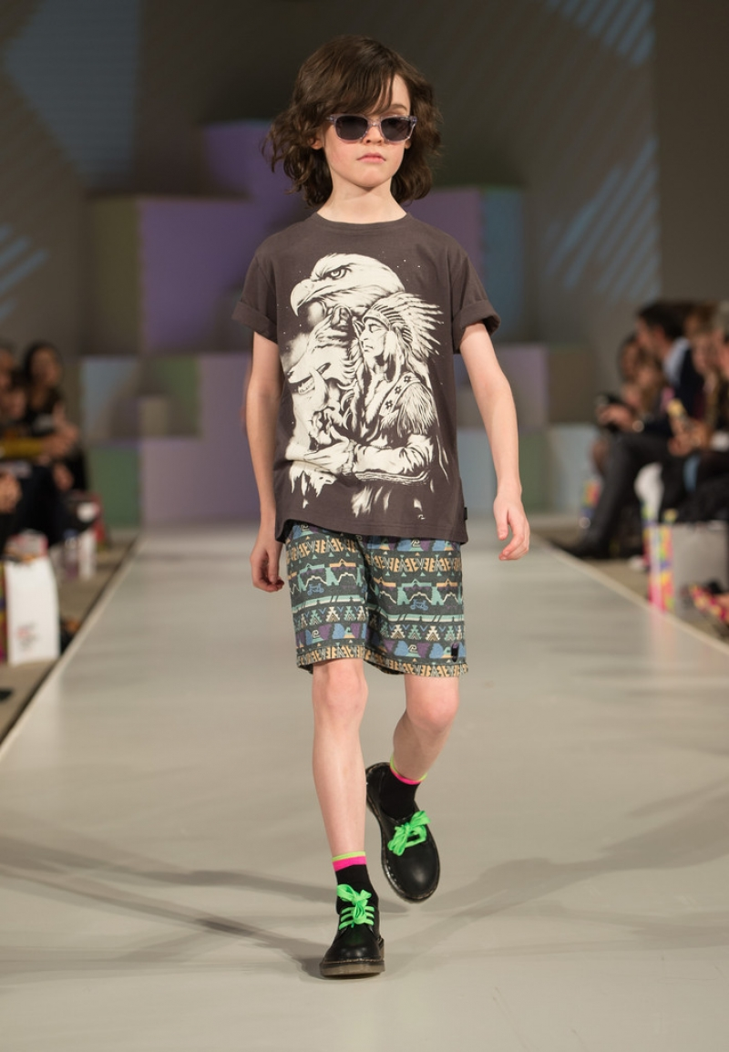 Global Kids Fashion Week Show 33180