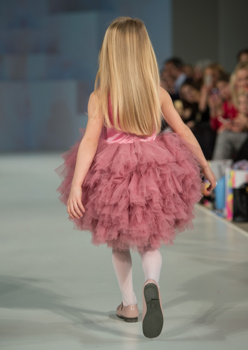 Global Kids Fashion Week Show 33182