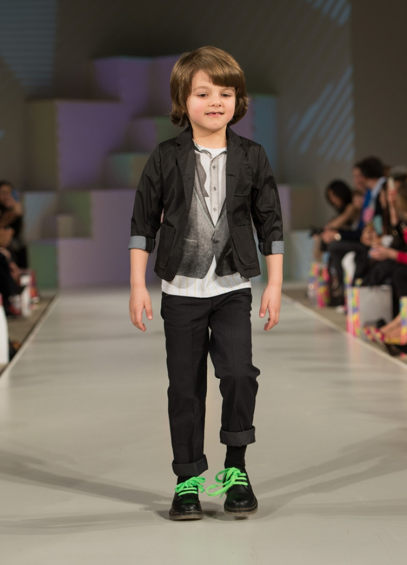 Global Kids Fashion Week Show 33224