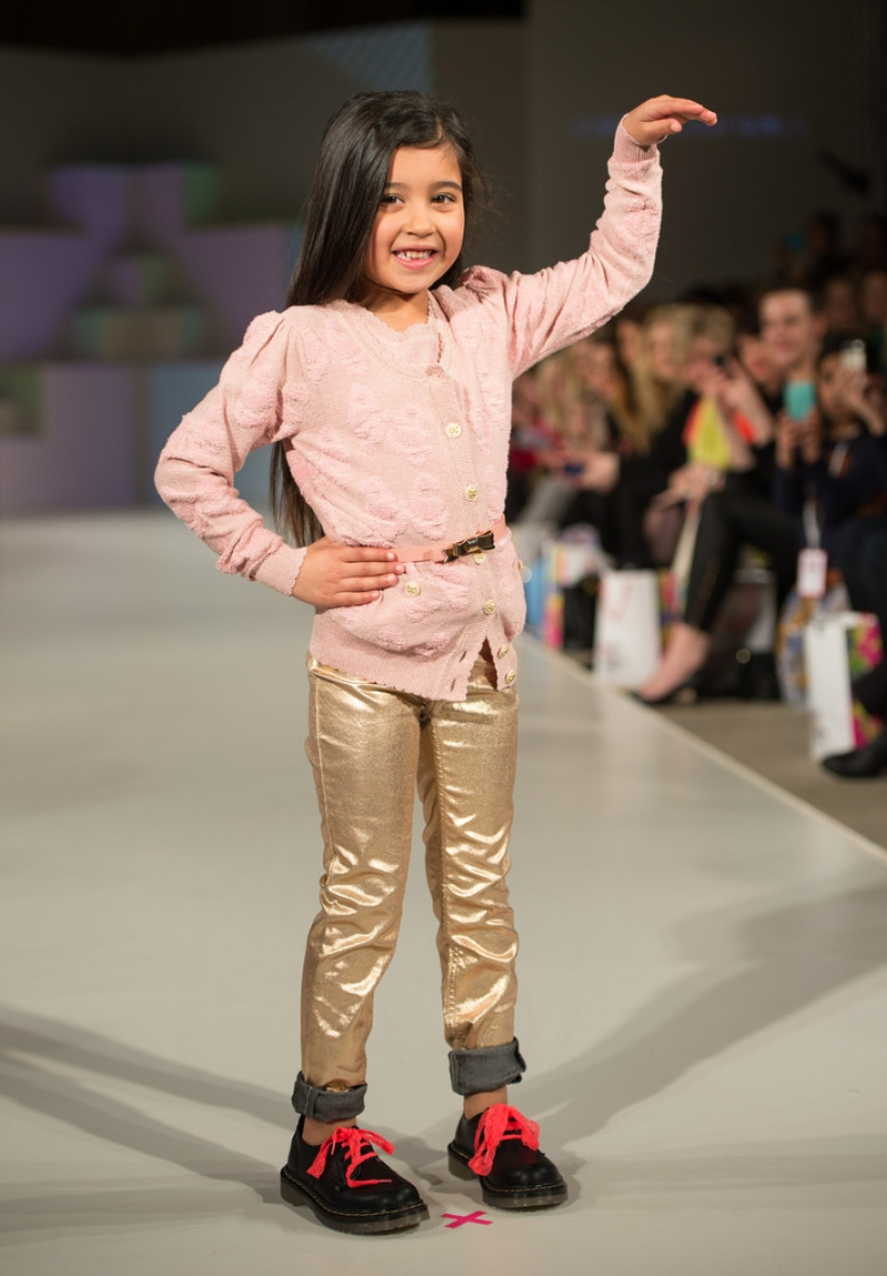 Global Kids Fashion Week Show 33226