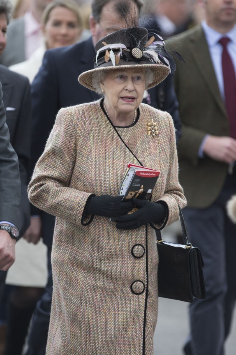 Queen Elizabeth II Wins Big at the Newbury Races 33687