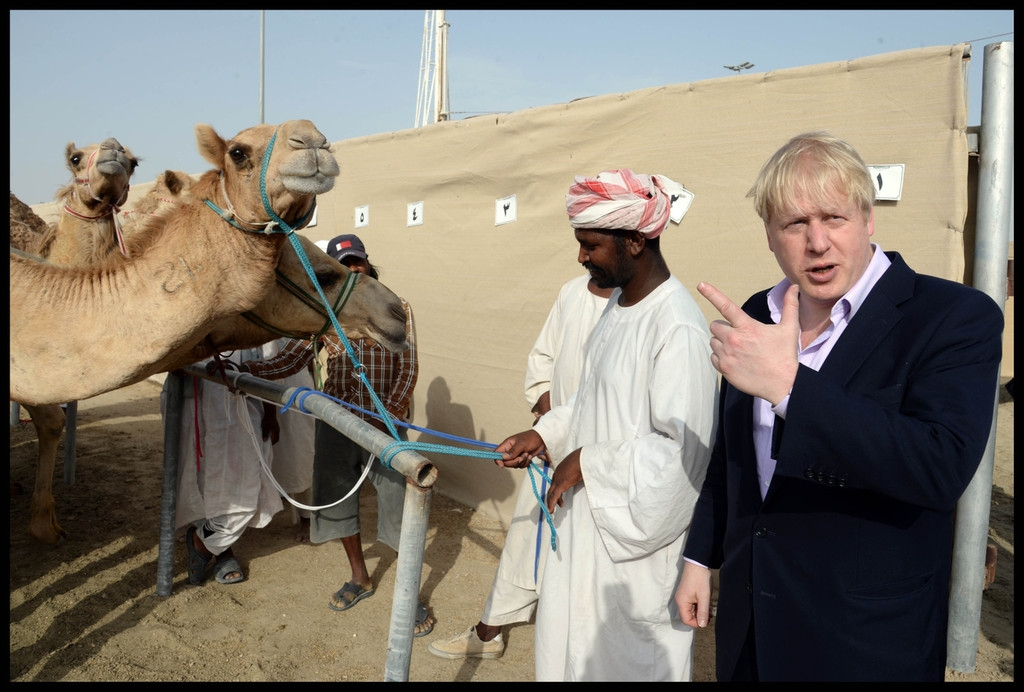 Boris Johnson Visits the Camel Races in Doha 33776
