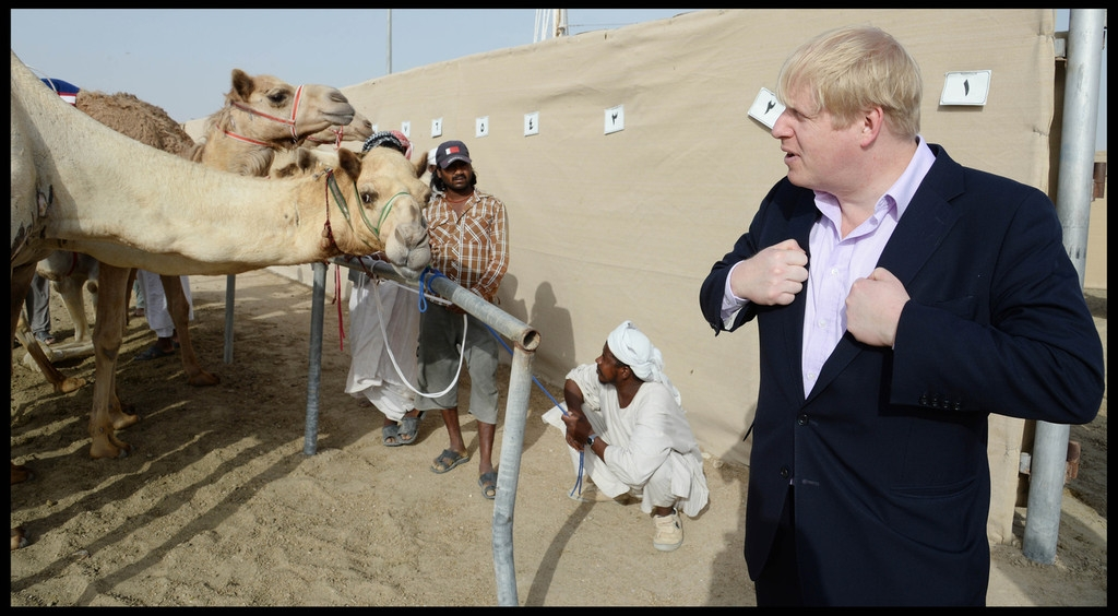 Boris Johnson Visits the Camel Races in Doha 33793