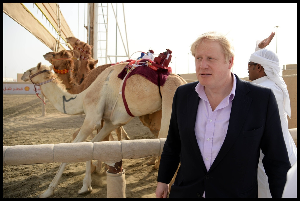 Boris Johnson Visits the Camel Races in Doha 33794