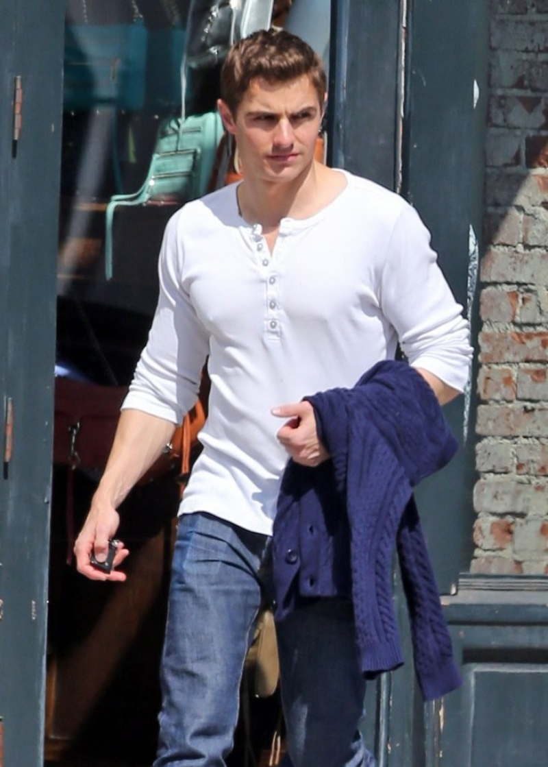 Dave Franco Shops in Hollywood 34072