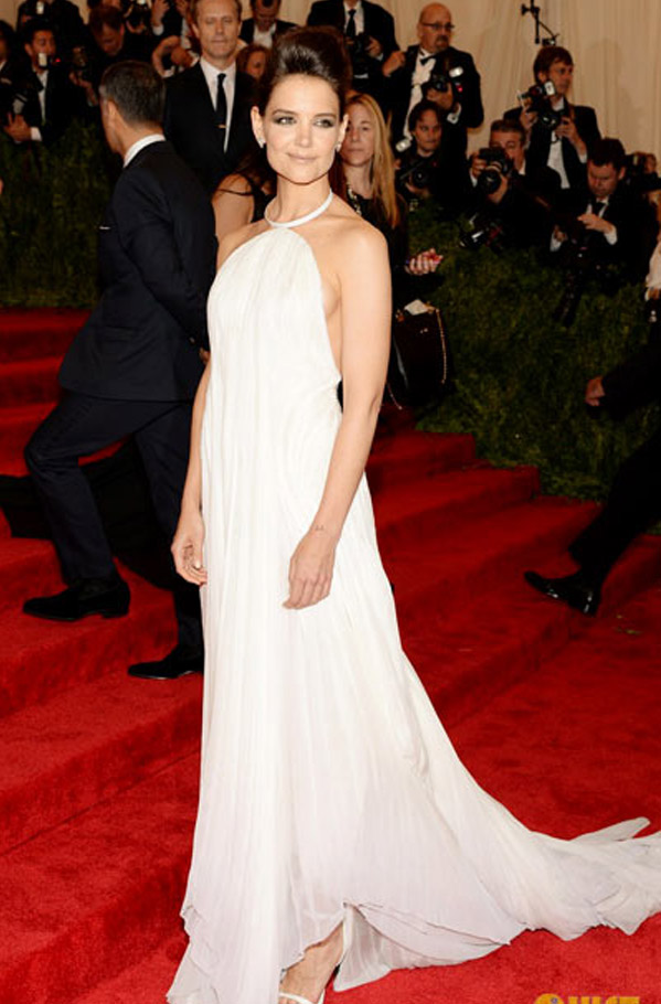 Katie Holmes sexy surprise of soft white gown sexy backless Calvin Klein. 34283