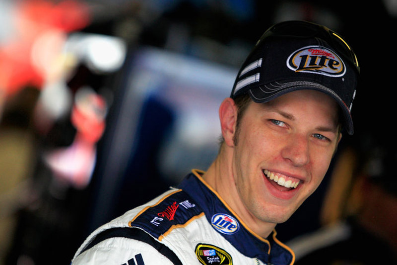 Brad Keselowski accuses David Ragan of illegal restart 34314