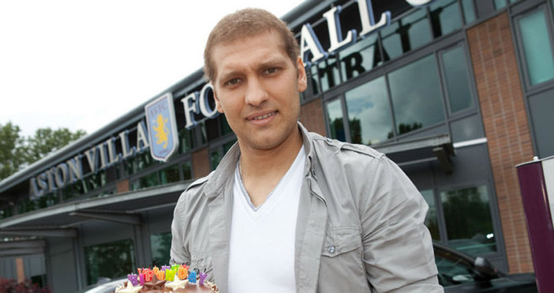 Stiliyan Petrov of Aston Villa announced his retirement to establish the foundation of leukemia 34609