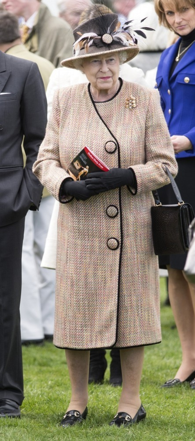 Queen Elizabeth II Wins Big at the Races 34617