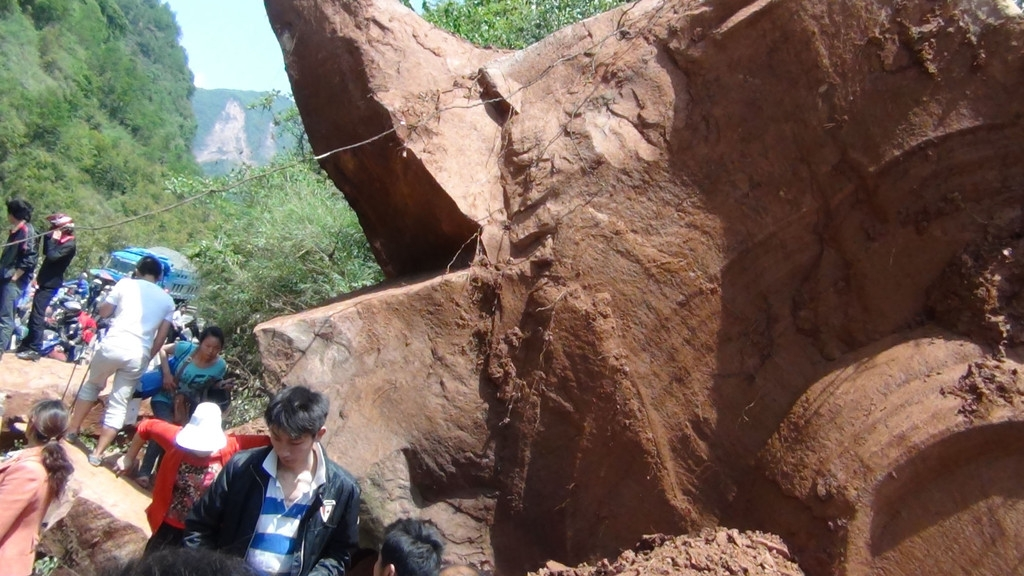 Magnitude 7 Earthquake Hits China's Sichuan Province 34811