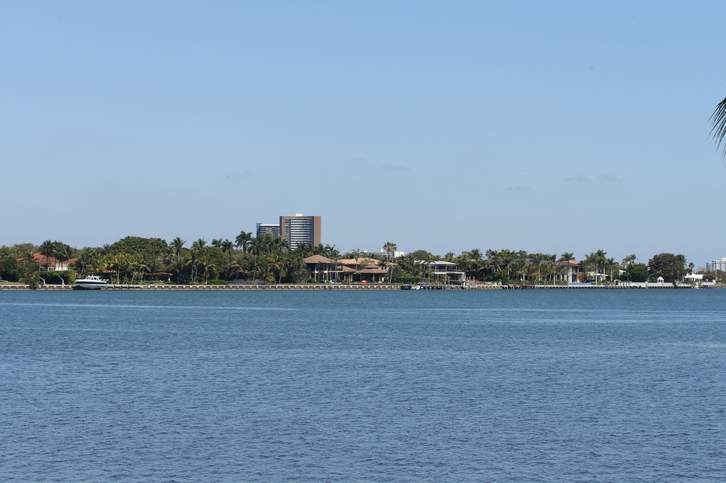 Biscayne Mansion Owned by Anna Kournikova and Enrique Iglesias 35384