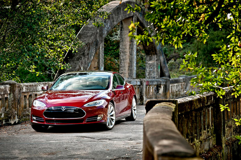 Tesla CEO Elon Musk disputes N.Y. Times article on Model S range 35440