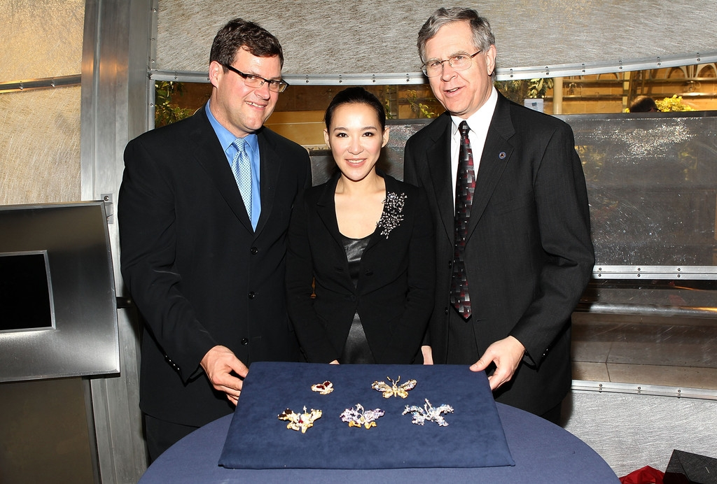 CINDY CHAO Royal Butterfly Brooch Accessioned Into The Smithsonian - Reception 35485