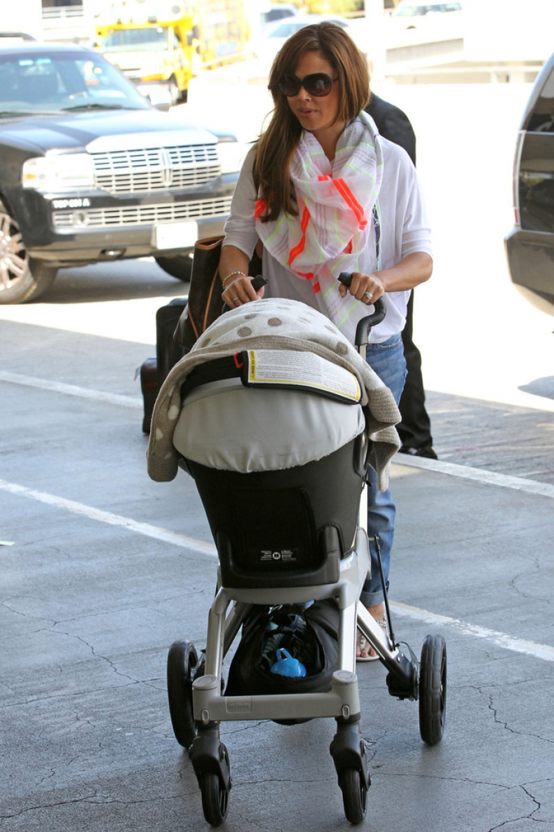 Nick Lachey and Vanessa Minnillo Leave LA 35649