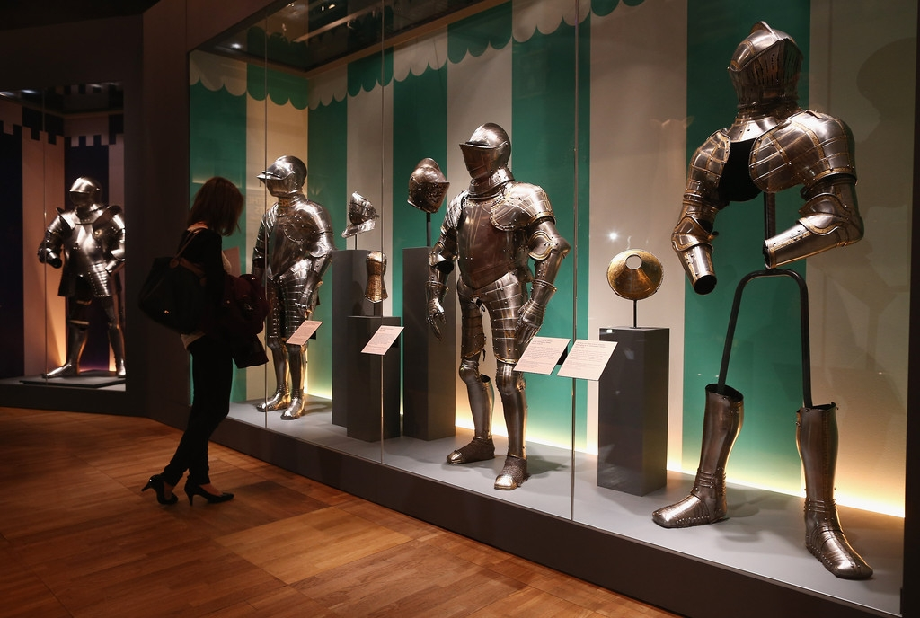 The Victoria And Albert Museum Preview Of Their Forthcoming Treasures Of The ... 35683