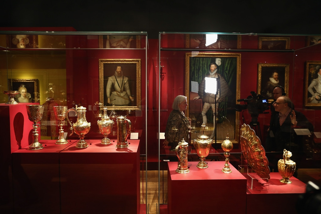 The Victoria And Albert Museum Preview Of Their Forthcoming Treasures Of The ... 35710