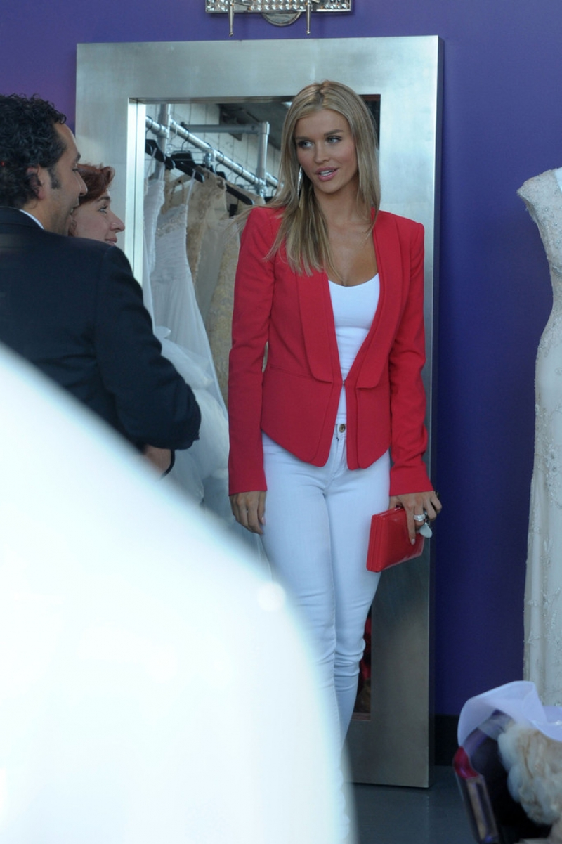 Joanna Krupa Films 'Housewives of Miami' 35893