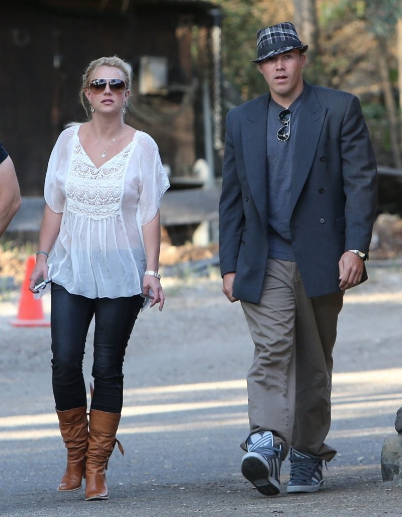 Britney Spears & David Lucado Go On A Dinner Date 36075