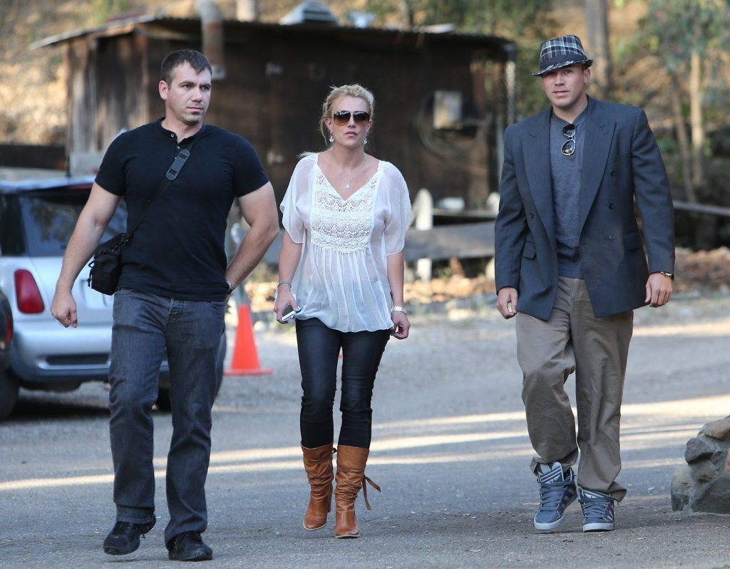 Britney Spears & David Lucado Go On A Dinner Date 36110