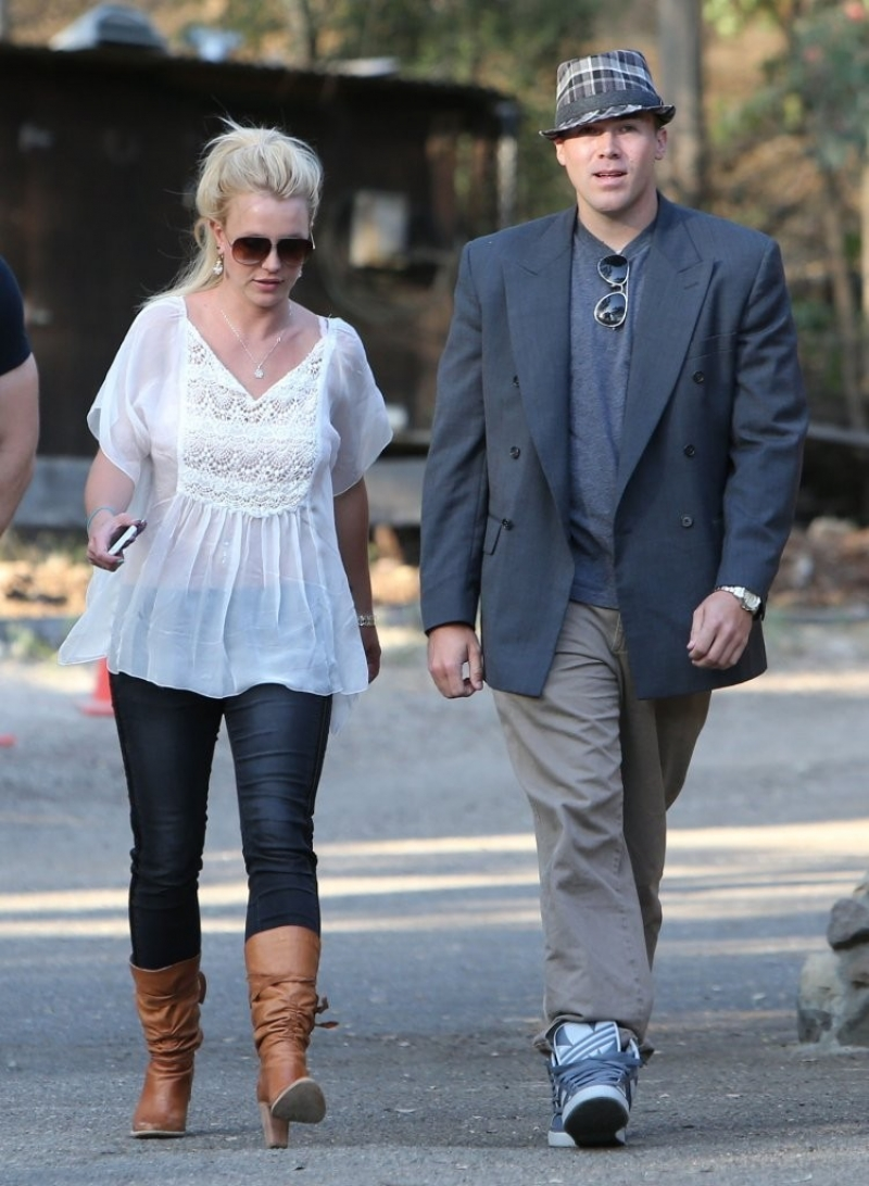Britney Spears & David Lucado Go On A Dinner Date 36142