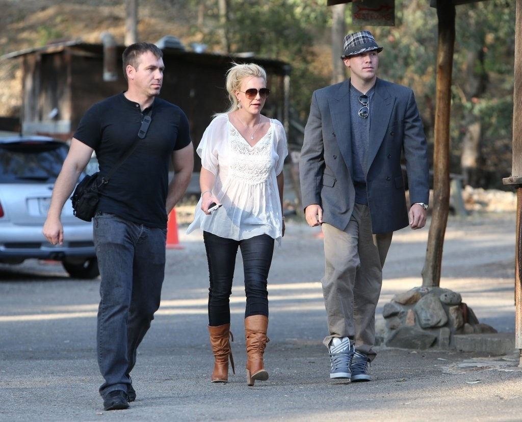 Britney Spears & David Lucado Go On A Dinner Date 36146