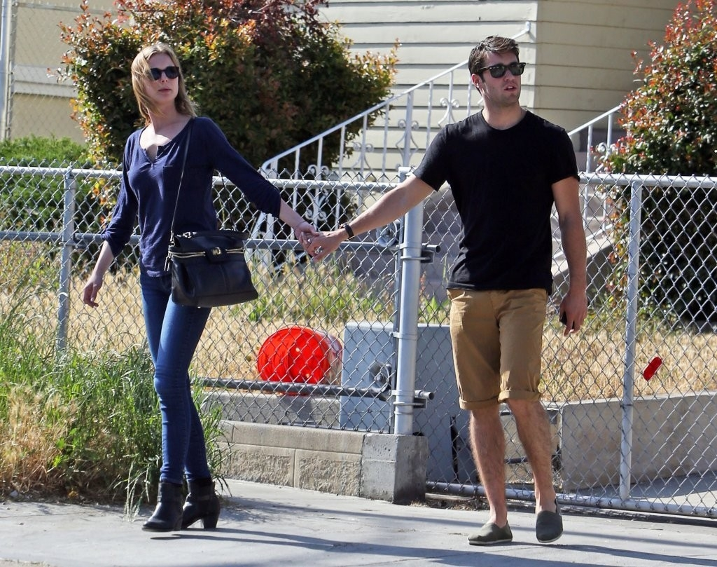 Emily Van Camp & Josh Bowman Lunch Together  36265
