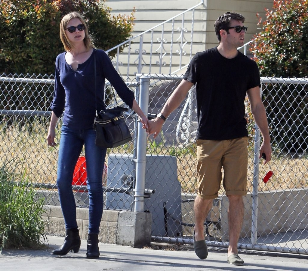 Emily Van Camp & Josh Bowman Lunch Together  36304