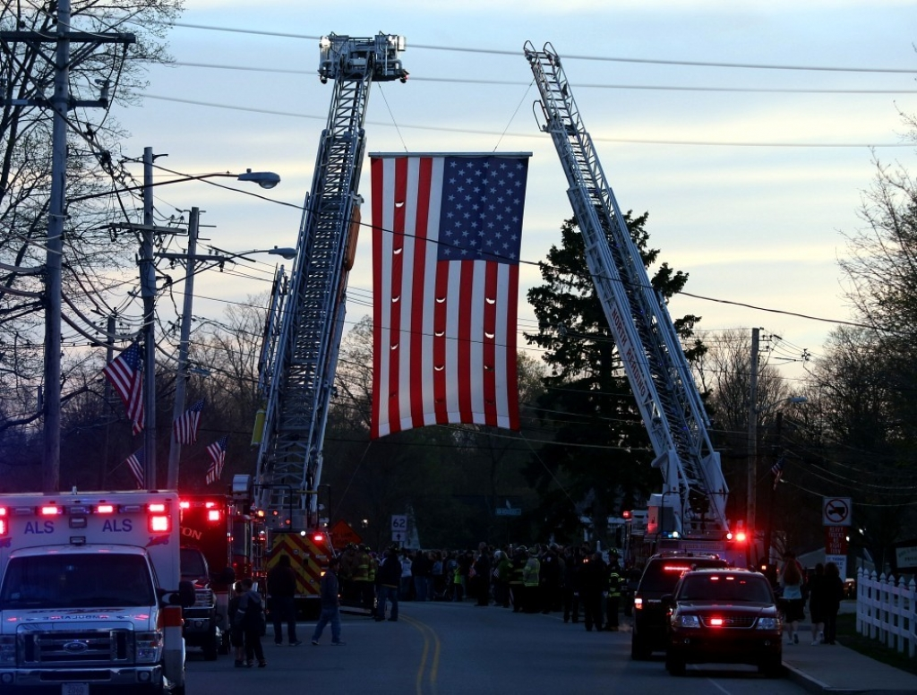 Slain MIT Patrol Officer Sean Collier Comes Home 36327
